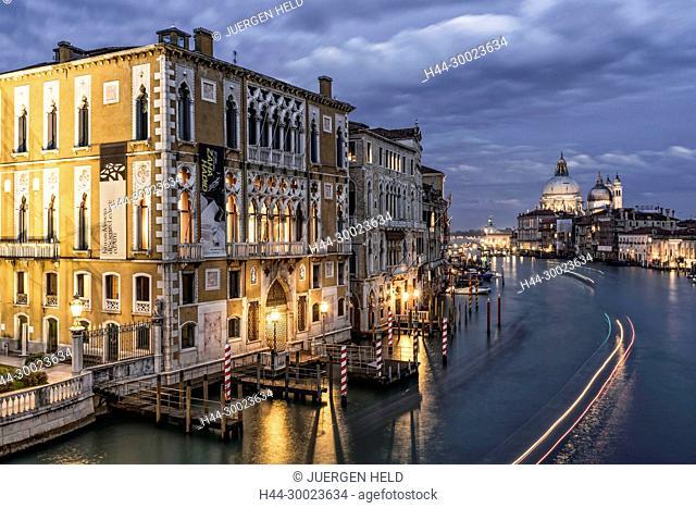 View from Ponte dell Accademia, Grand Canal, Palazzo Cavalli-Franchetti, Basilica di Santa Maria della Salute,Venedig, Venezia, Venice,Veneto, Italia, Europe