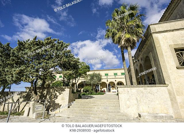 santuario de Cura, en la cima de la montaña de Randa, Algaida, Mallorca, Balearic Islands, Spain