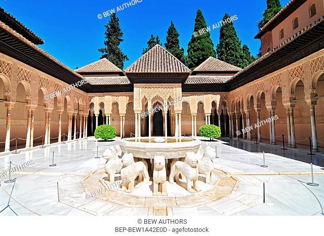 Patio de los Leones (Patio of the Lions) in the Palacios Nazaries, The Alhambra, Granada, Andalucia, Spain