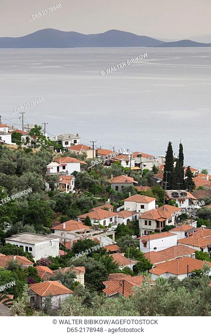 Greece, Thessaly Region, Afissos, Pelion Peninsula, elevated town view