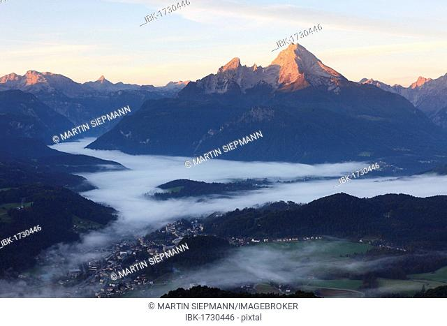 View from Kneifelspitze mountain across Berchtesgaden towards Watzmann mountain, in the morning, Berchtesgaden Alps, Berchtesgaden, Upper Bavaria, Germany