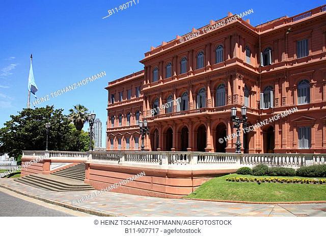 Casa Rosada, Präsidentenpalast an der Ostseite der Plaza de Mayo, Buenos Aires, Argentinien / Casa Rosada, presidential palace on the eastern side of the Plaza...