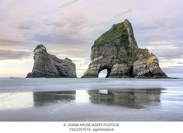 Wharariki Beach, Cape Farewell, Puponga, South Island, New Zealand