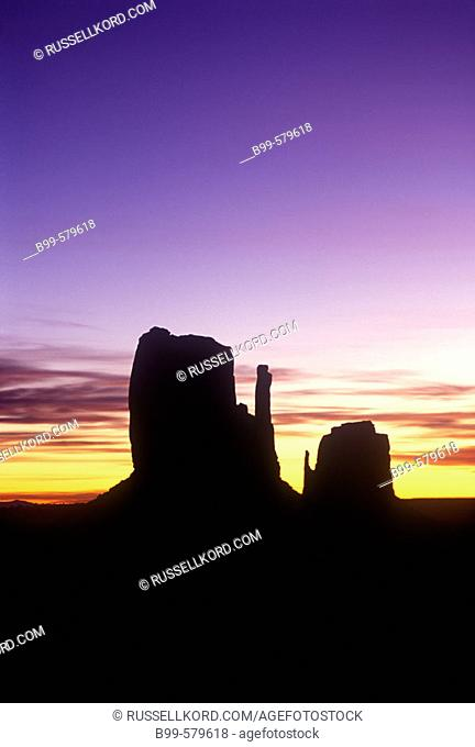 Scenic Mittens, Monument Valley Navajo Tribal Park, Arizona, Usa
