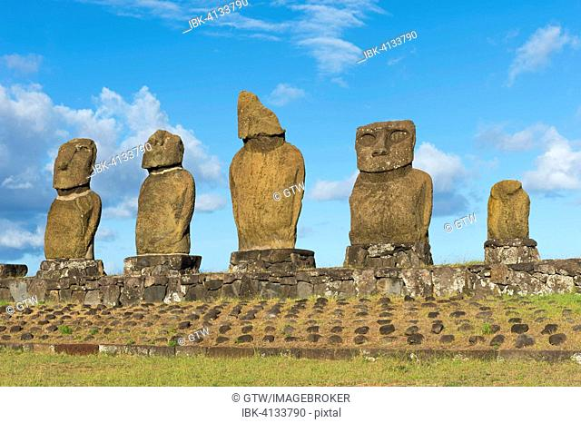Moais at the Tahai ceremonial complex, Hanga Roa, Rapa Nui National Park, Unesco World Heritage Site, Easter Island, Chile