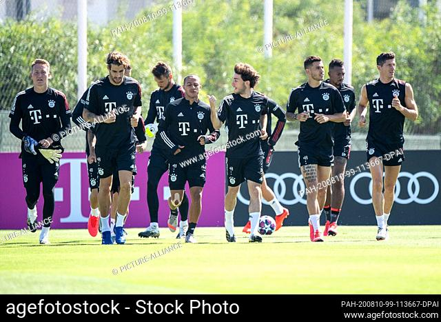 10 August 2020, Portugal, Lagos: Football: Champions League, FC Bayern in training camp in the Algarve before the final tournament in Lisbon