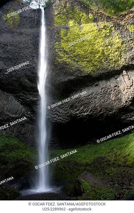 Latourell Falls, Historic Columbia River Highway, Oregon, USA