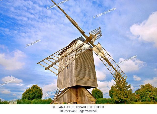 france, loire castles : talcy mill