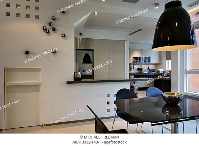 Dining room in apartment in Sha Tin, designer Anderson Lee