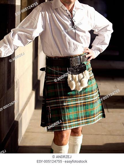 Traditional scottish outfit . Scotland , Edinburgh