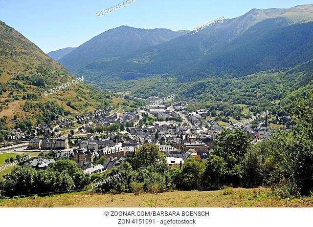 Cityscape, Vielha e Mijaran, Val d'Aran, Aran Valley, Pyrenees, Lleida province, Catalonia, Spain, Europe, Stadtansicht, Vielha e Mijaran, Val d'Aran, Arantal
