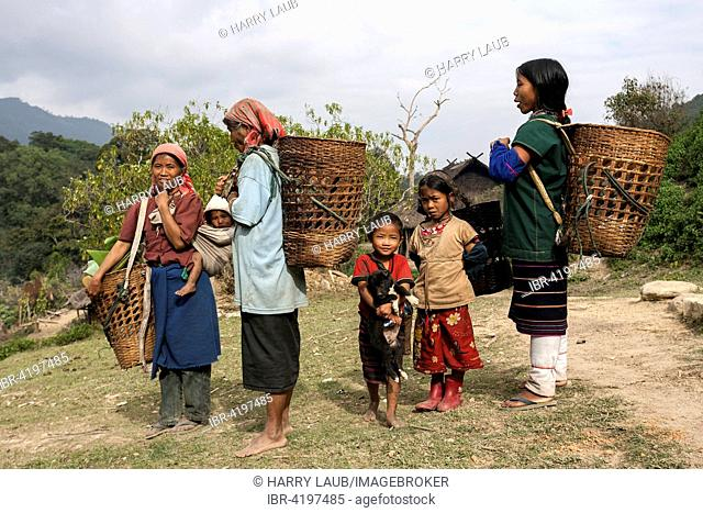 Local women and children from the tribe of the Loi, mountain village Wan Sen, near Kyaing Tong, Golden Triangle, Myanmar