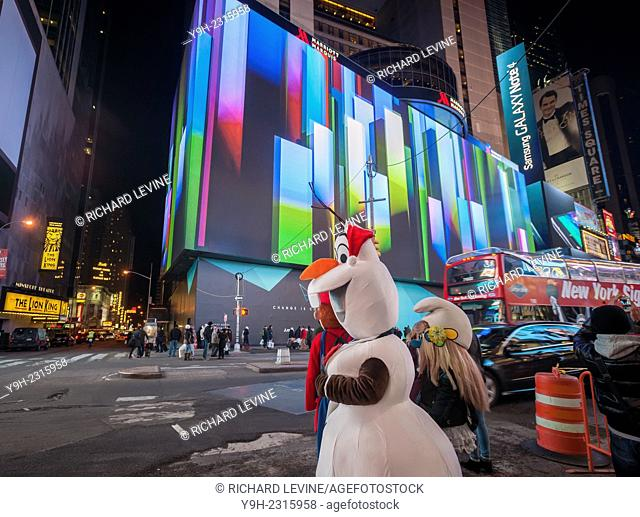 Vornado Realty Trust and its partners debuts the giant one-block long, eight-story high digital display on the Marriott Marquis Hotel in Times Square in New...