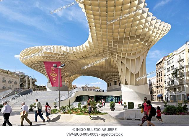 METROPOL PARASOL BY J MAYER H ARCHITECTS IN SEVILLA SPAIN. General exterior afternoon view with people passing by, SEVILLA, SPAIN, Architect