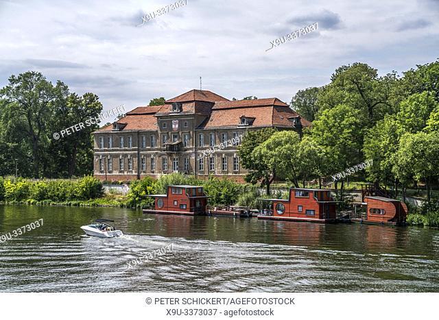 Schloss Plaue im Ortsteil Plaue, Brandenburg an der Havel, Brandenburg, Deutschland   Baroque castle Schloss Plaue, Brandenburg an der Havel, Brandenburg