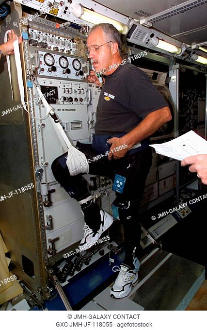 Astronaut John L. Phillips, Expedition 11 NASA ISS science officer, participates in FootGround Reaction Forces During Spaceflight (FOOT) Integrated nominal...