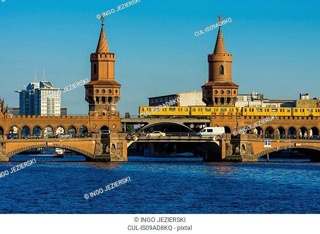 Oberbaumbrucke (Oberbaum Bridge), Berlin, Germany