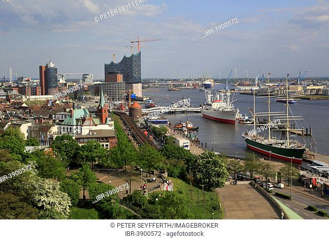 The museum ships Rickmers Rickmers and Cap San Diego on the Elbe River, behind the Elbe Philharmonic Hall, Hamburg, Germany