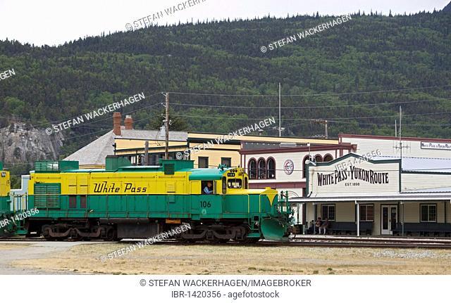 Historic train station and engine of White Pass and Yukon Route, Klondike Gold Rush, Chilkoot Trail, Chilkoot Pass, Skagway, Alaska, USA