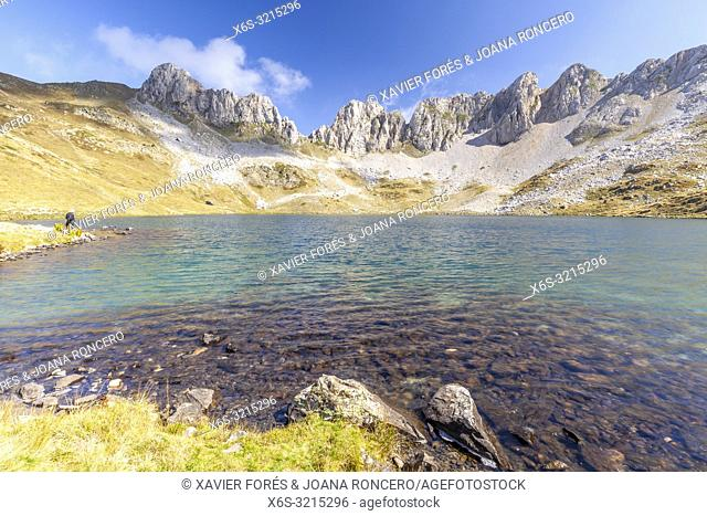 Ibon de Acherito - Acherito lake, Valle de Hecho, Huesca, Spain