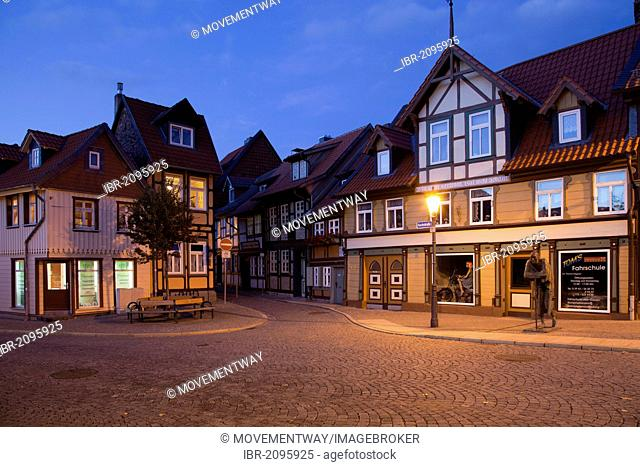Kleinstes Haus building, literally the smallest house, at dusk, Kochstrasse street, Wernigerode, Harz mountain range, Saxony-Anhalt, Germany, Europe