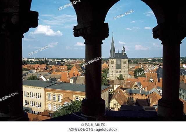 View from Sternkierkerturm to market church
