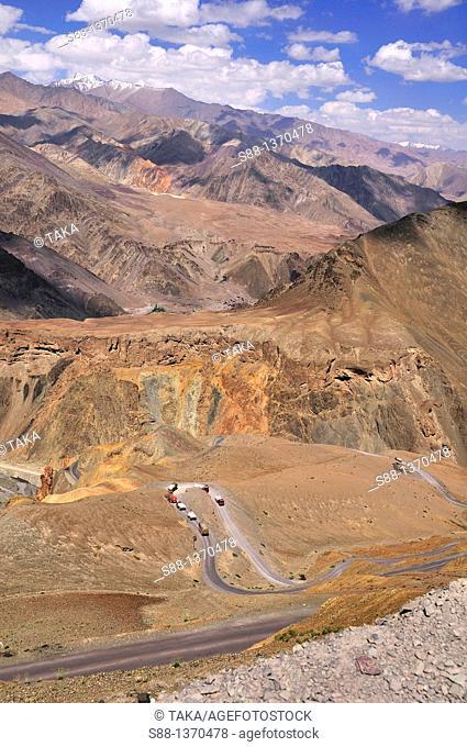 Winding scary road between Lamayuru to Khaltse in the desolate Zanskar mountains