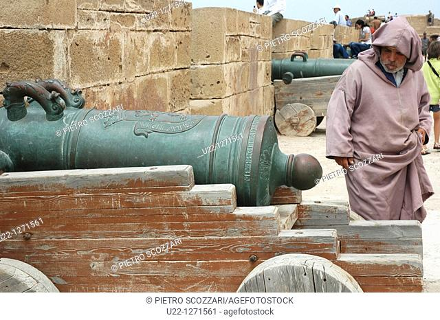 Essaouira (Morocco): old cannon on the city's walls