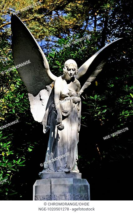 Statue of an angel at Ohlsdorf cemetery in Hamburg, Germany