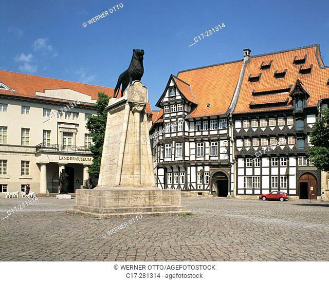 Landesmuseum and Huneborstelsches Haus, Burgplatz, Braunschweig, Lower Saxony, Germany