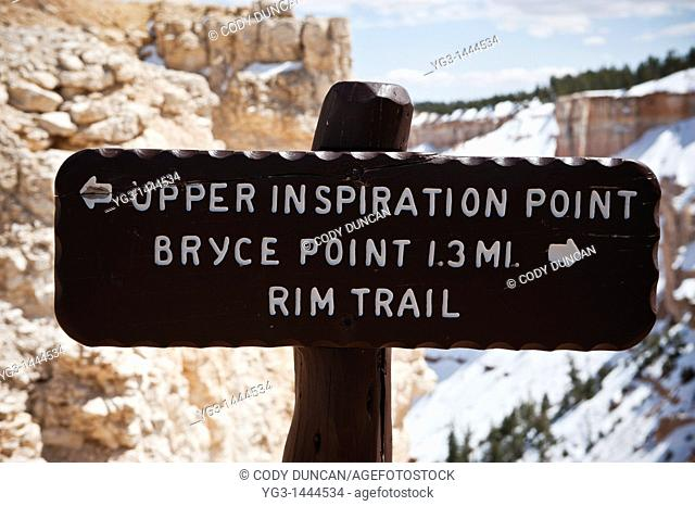 Trail marker for Upper Inspiration point viewing area, Bryce Canyon national park, Utah, USA