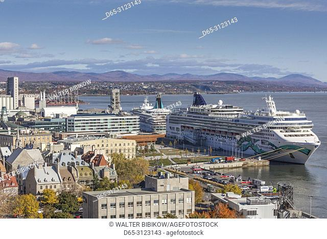 Canada, Quebec, Quebec City, elevated view of the Old Lower Town and cruiseship