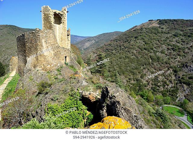 Cabaret tower. Castles of Lastours, Languedoc-Roussillon, France