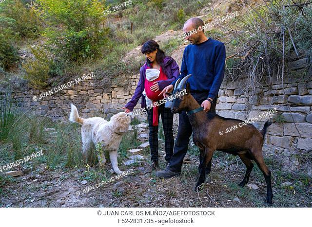 Shepherds, Aragües del Puerto Village, Jacetania, Huesca, Aragon, Spain, Europe
