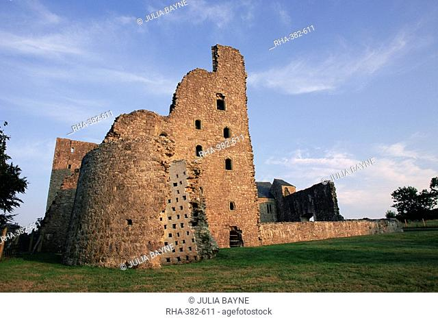 Oxwich Castle, Gower Pensinsula, West Glamorgan, Wales, United Kingdom, Europe