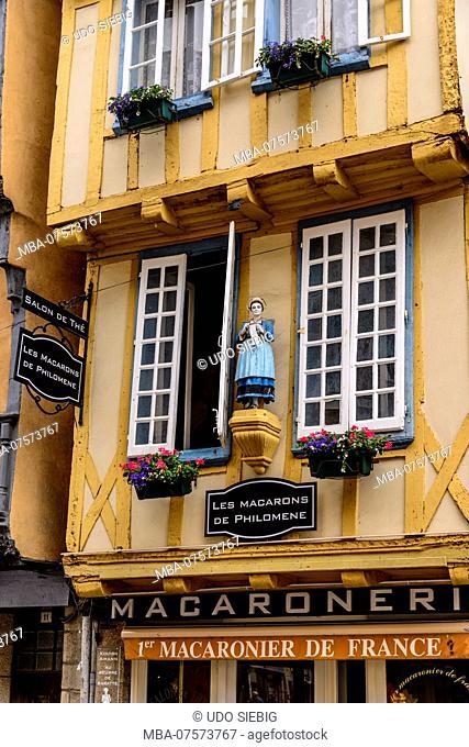 France, Brittany, Finistère Department, Quimper, Rue Kéréon, half-timbered house, Salon de Thé, Macaronerie