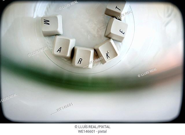 teclas sueltas de un teclado de ordenador con la palabra market, Loose keys of a computer keyboard with the word market,