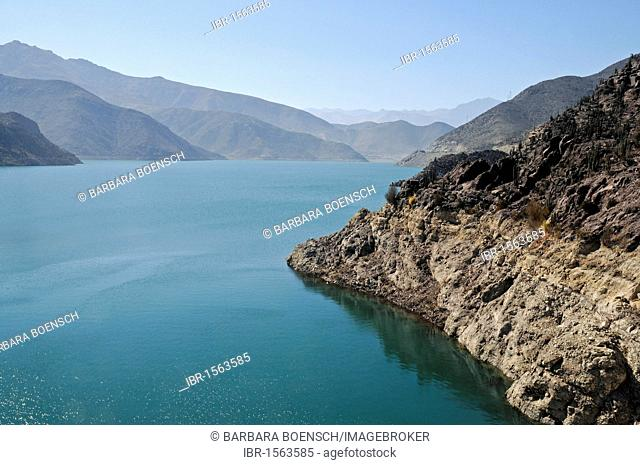 Puclaro reservoir, storage lake, water, mountains, Vicuna, Valle d'Elqui, Elqui valley, La Serena, Norte Chico, northern Chile, Chile, South America