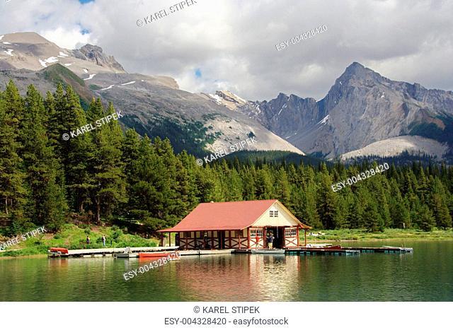 Blick vom Maligne Lake