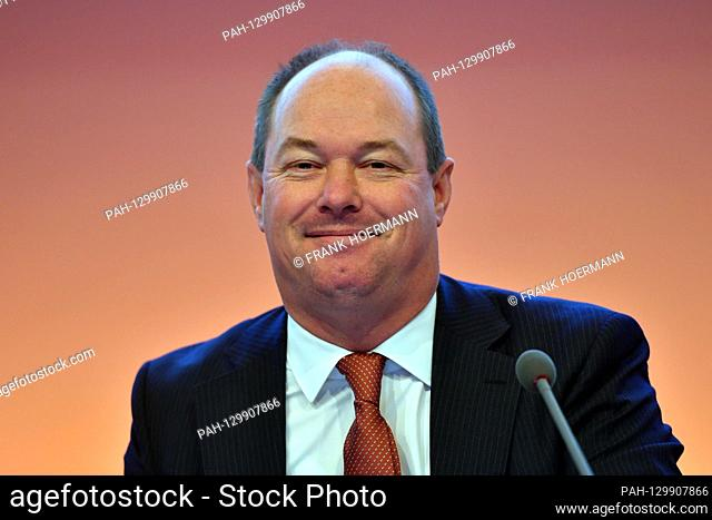 Ingo BANK (CFO, member of management), single image, cut single motif, portrait, portrait, portrait. OSRAM LICHT AG Annual General Meeting 2020 on February 18