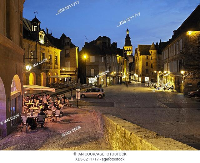Place de la Liberte at night, Sarlat-la-Caneda, Dordogne Department, Nouvelle-Aquitaine, France