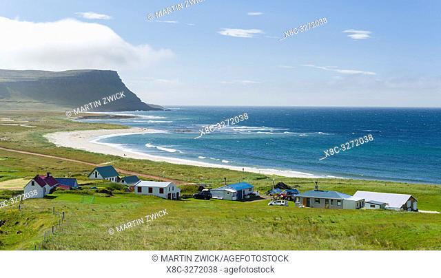 Settlement and beach at Hvallatur. The remote Westfjords (Vestfirdir) in north west Iceland. Europe, Scandinavia, Iceland