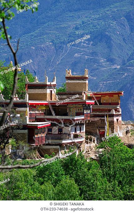Valley of beauty, Tibetan folk house, Jiaju village, Danba (Rongzhag Zong), Garzê Tibetan Autonomous Prefecture, Sichuan Province, PRC