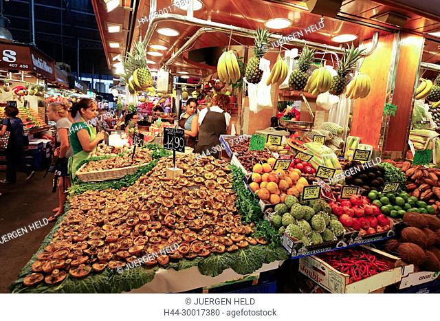 Spain, Barcelona, La Rambla, Boqueria market, Fruits, lemon, Mercat de Sant Josep