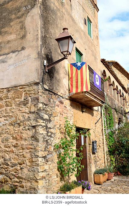 Catalonia, Spain Sep 2017.Pertallada. On 1 October Catalans will go to the polls to vote in a referendum on whether to secede from Spain and form an independent...