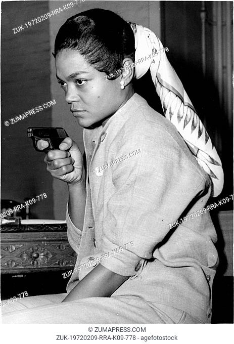 May 7, 1956 - London, England, U.K. - Singer EARTHA KITT rehearses with her revolver for the BBC Television show, 'The Valiant