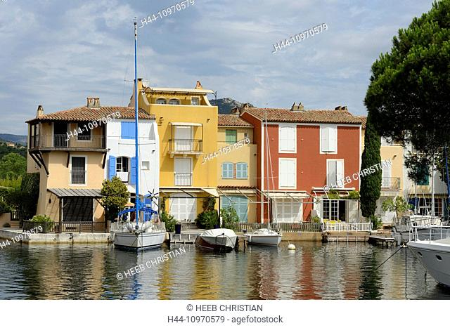 Europe, France, Provence-Alpes-Côte d'Azur, Provence, Port Grimaud, boats, homes