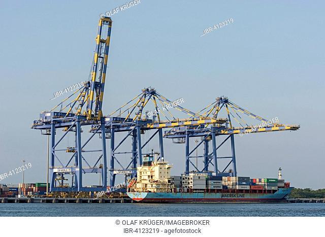Container ship of Maersk Line, cranes, International Container Transshipment Terminal ICTT, Vallarpadam Terminal, Kochi, Kerala, India