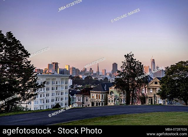 Painted Ladies, Victorian Wooden Houses, San Francisco, California, USA
