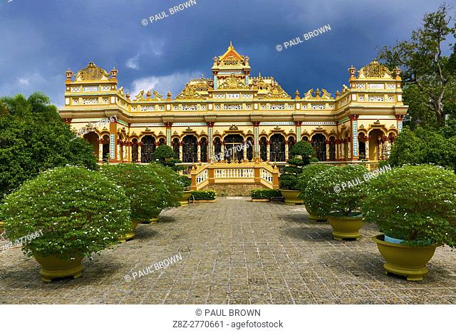 Vinh Trang Buddhist Temple, near My Tho, Mekong Delta, Vietnam